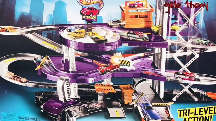 Hot Wheels Super Auto Center/Garage Sports Race Car Play − アフィリエイト動画まとめ